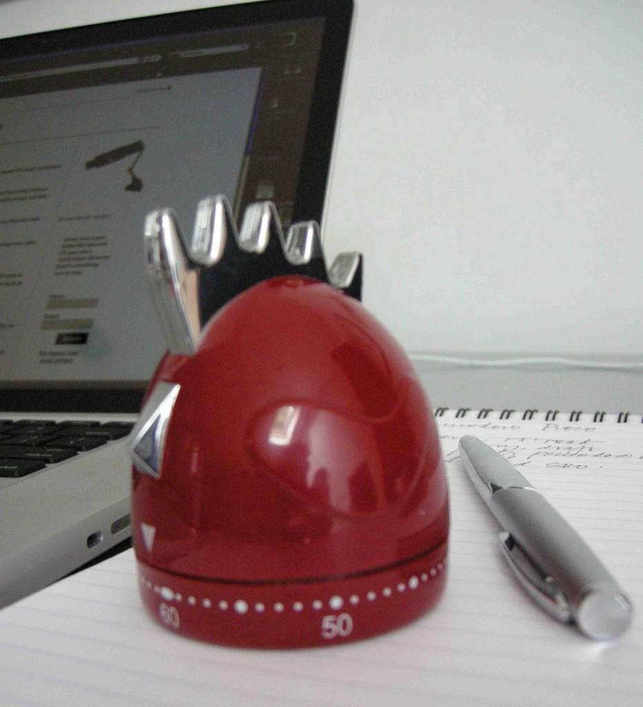 red chicken kitchen timer