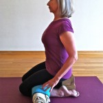 Five-minute yoga challenge: add a roll in Virasana to loosen your hamstrings and heal your feet